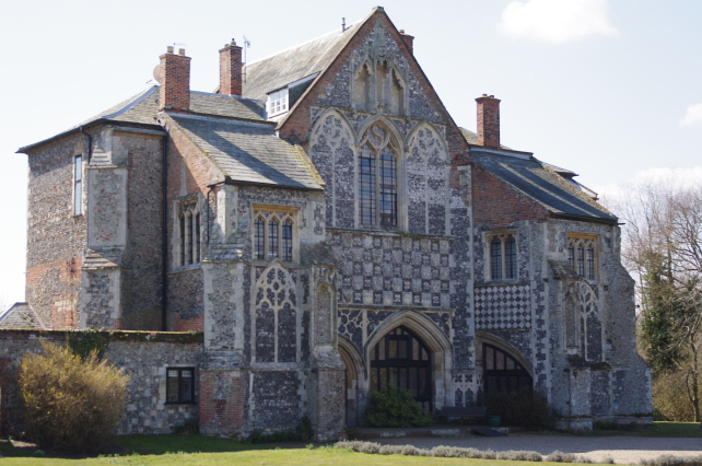 Butley Priory, Woodbridge, Suffolk - Pianist Suffolk